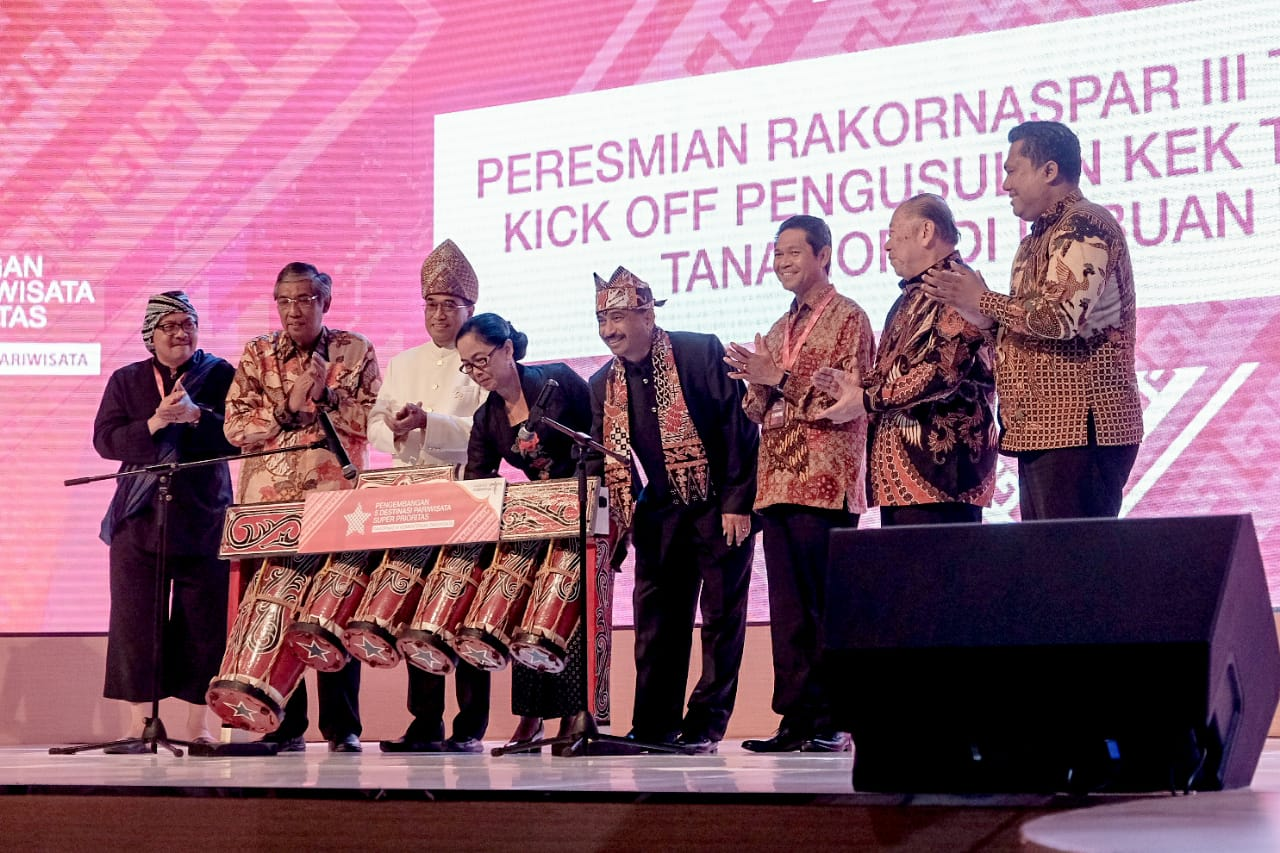 Indonesia Raih Tiga Penghargaan dalam Travel Weekly Asia 2019 Readers Choice Awards Singapura